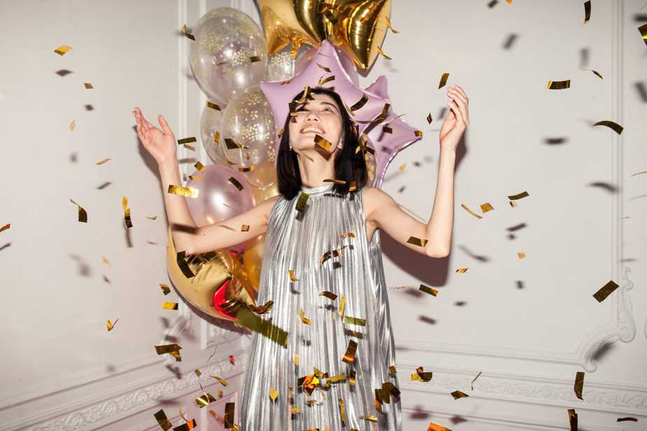 woman-celebrating-with-confetti